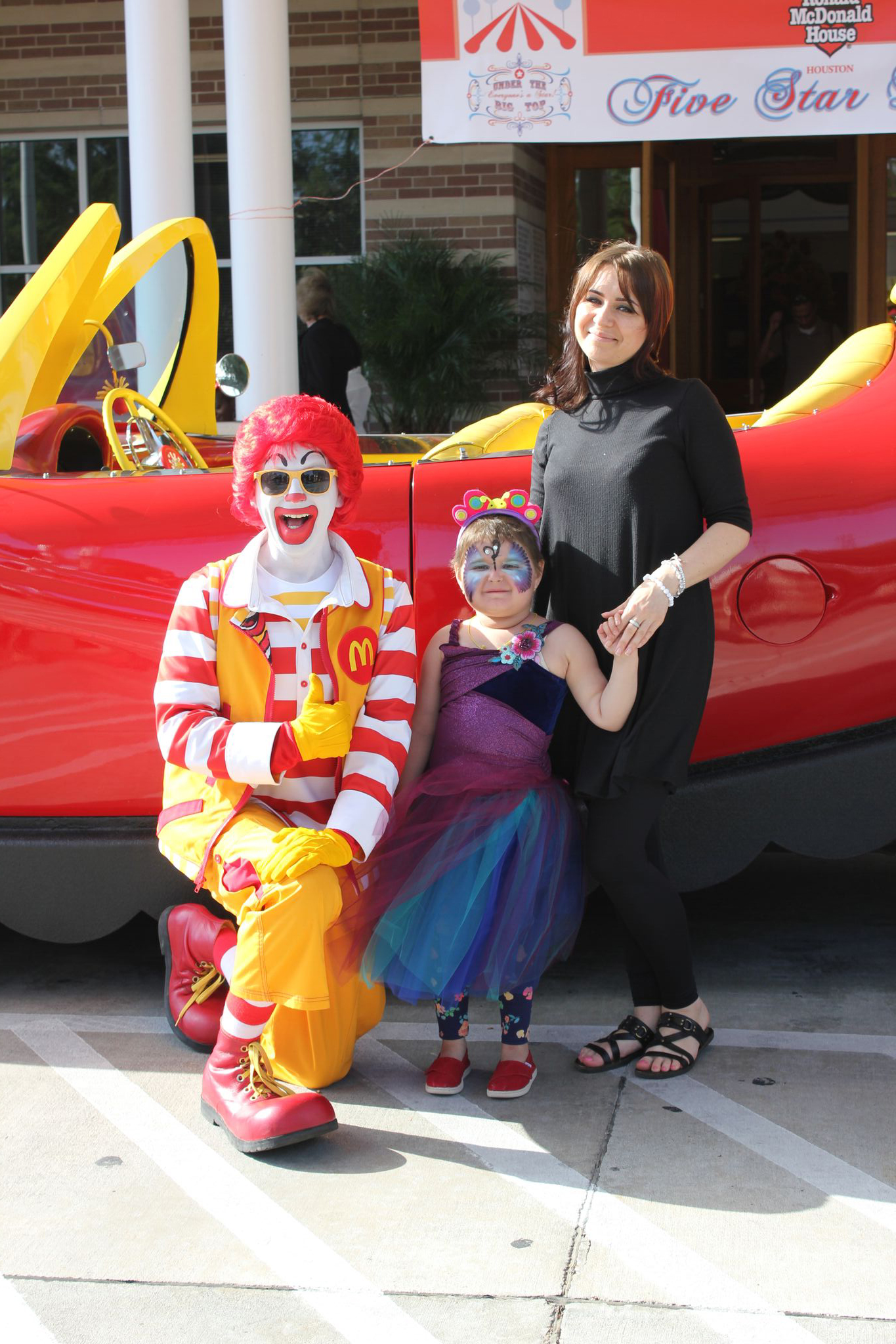 Sick children and their families received 5 star treatment at ronald sick children and their families received 5 star treatment at ronald mcdonald house houston thanks to magnolia hotels and pwc charitable foundation voltagebd Gallery